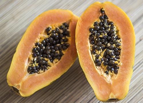 фрукт папайя (Лечоса) в разрезе