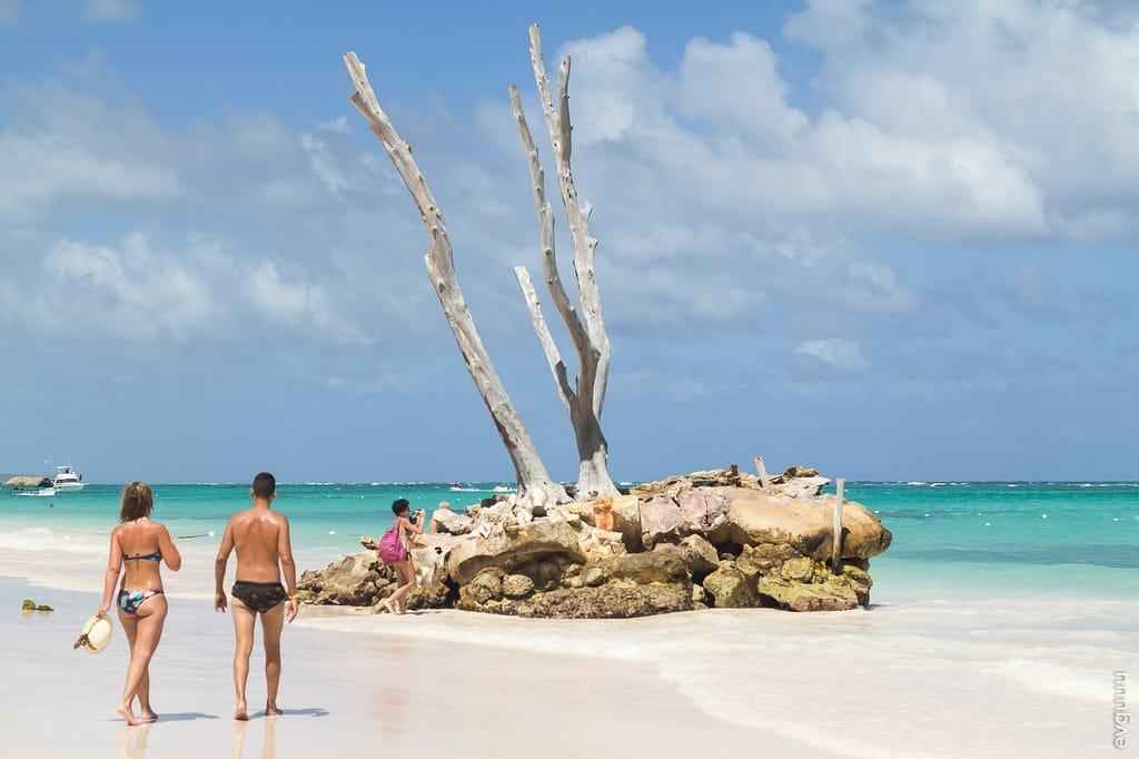 Людный пляж